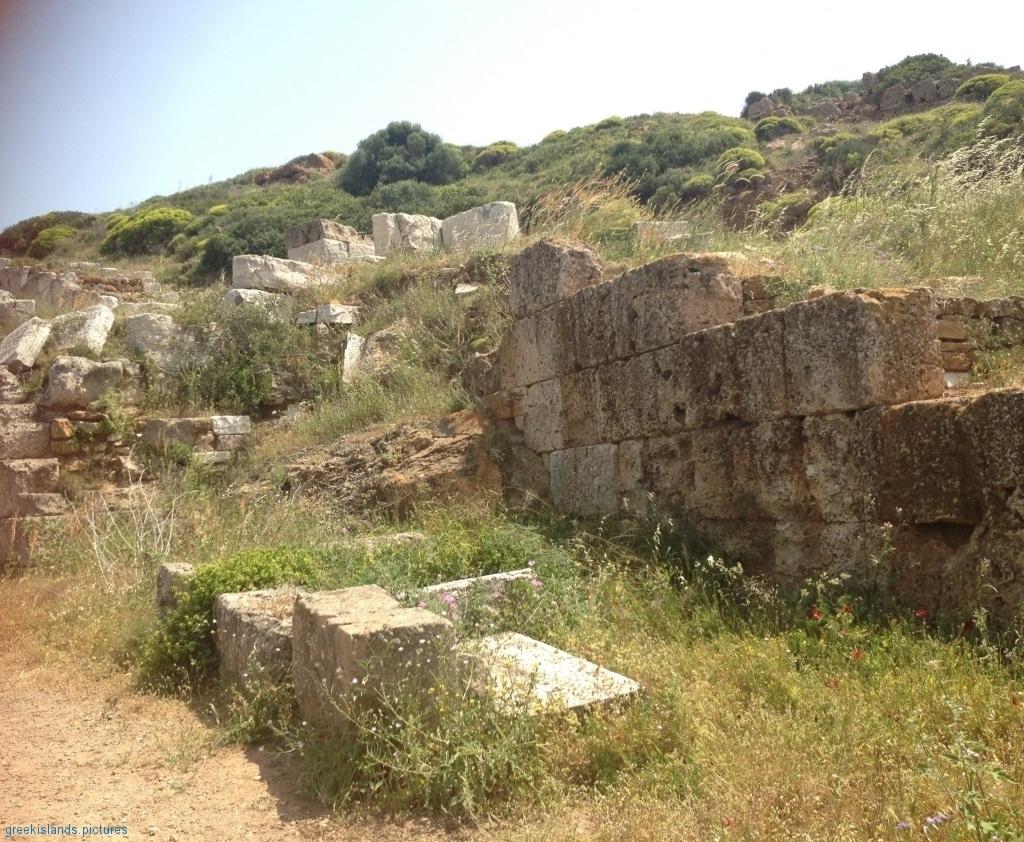 ArchaeologicalSite of SOUNIO (limestone masonry)